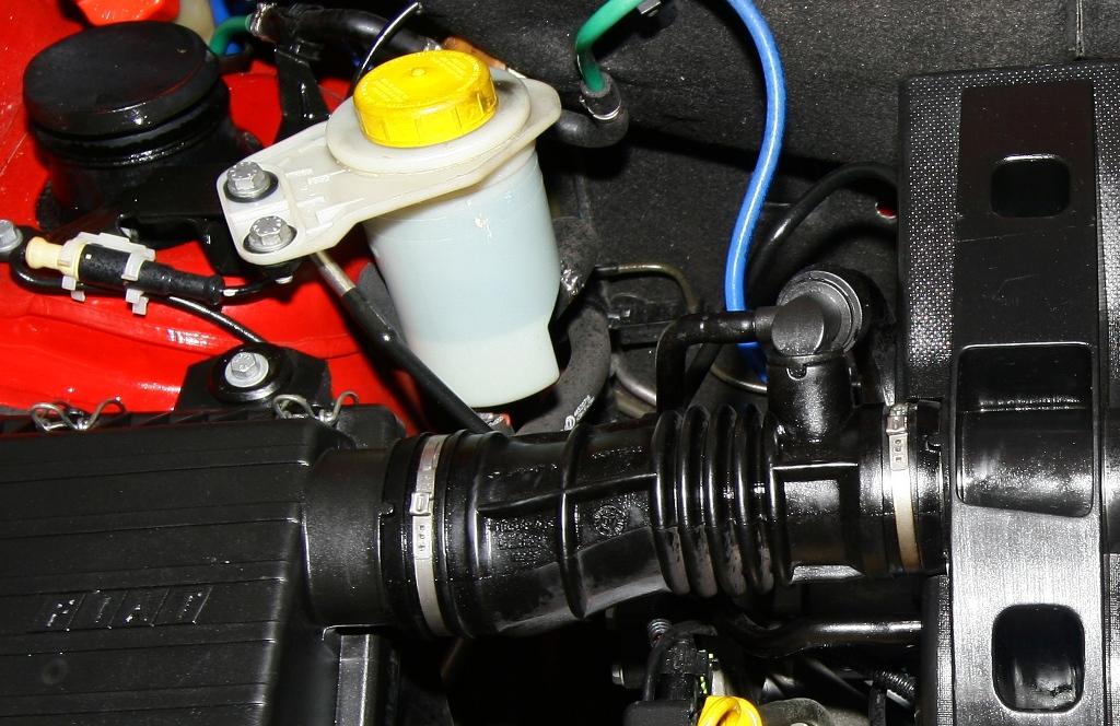 Manutenção preventiva do sistema de direção hidráulica