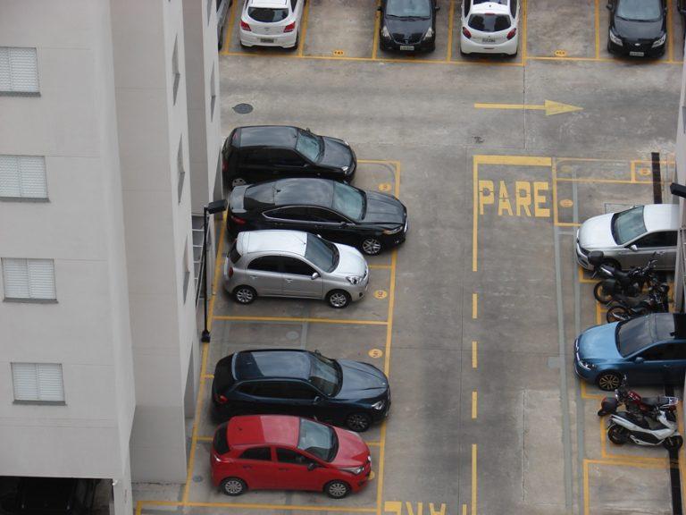 Manutenção dos freios quando o carro está parado