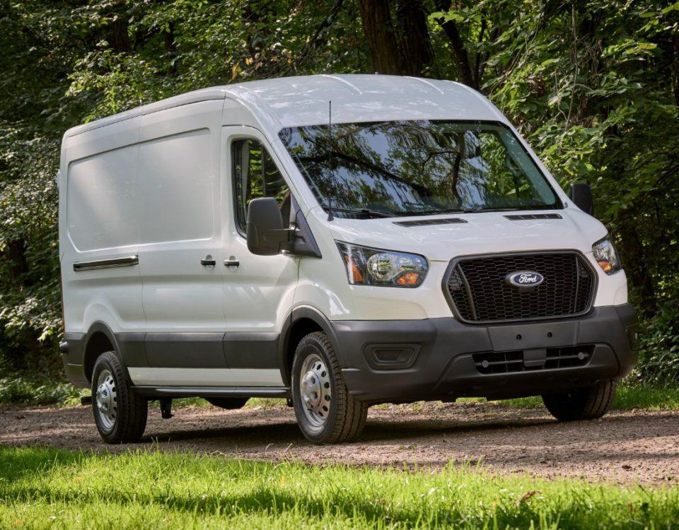 A van Ford Transit volta ao mercado brasileiro