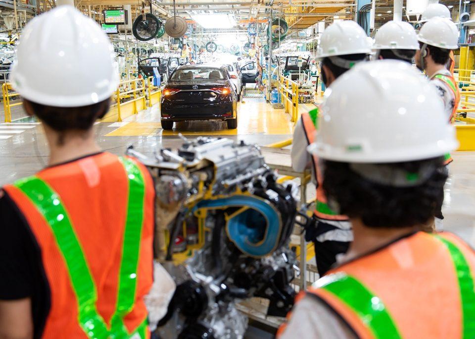 Coronavírus faz as fábricas de automóveis paralisarem a produção