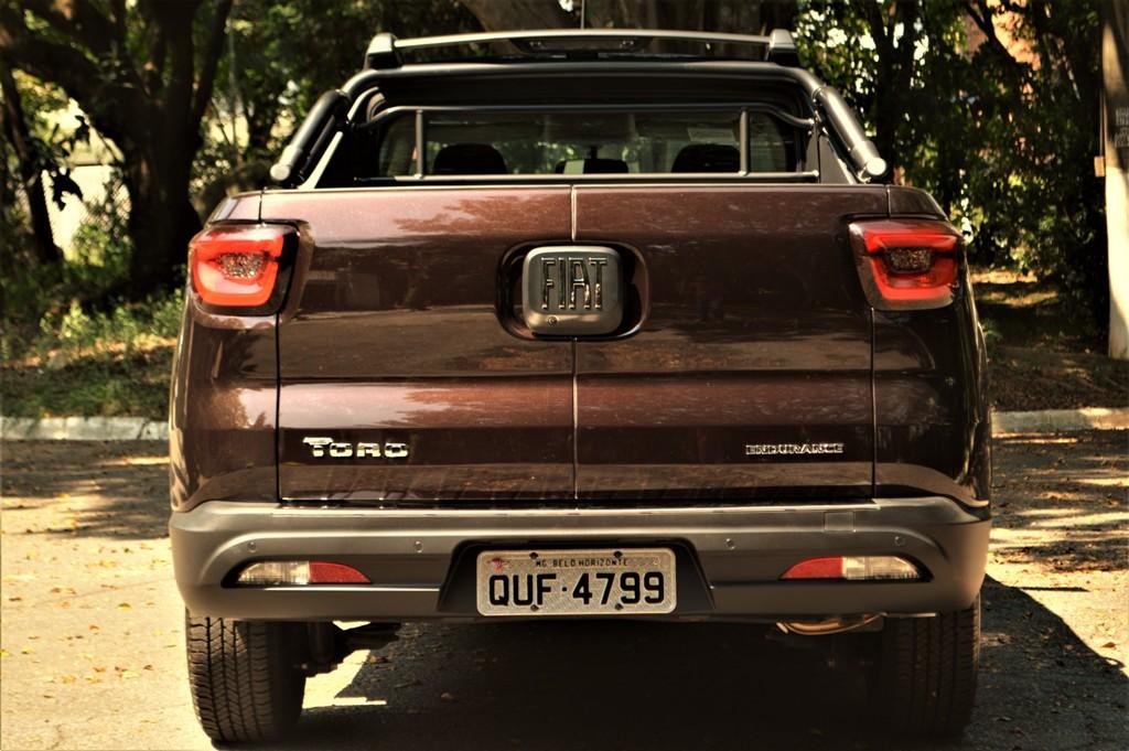 Avaliação: Fiat Toro 1.8 Flex Endurance câmbio manual 2020
