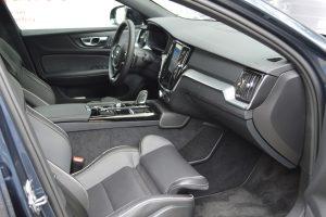 Avaliação: Sedan Volvo S60 T8 Recharge R-Design/ Interior