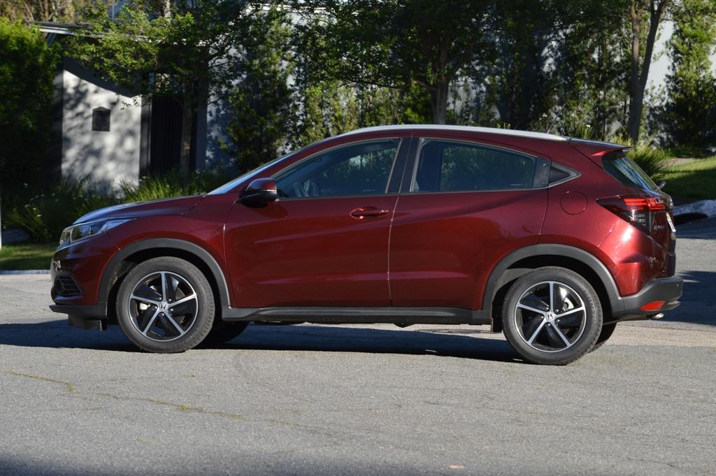 Avaliação: Honda HR-V EX 1.8 CVT/ Lateral