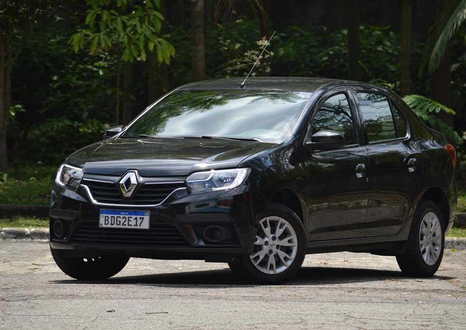 Avaliação: Renault Logan Zen 1.6 câmbio manual 2020