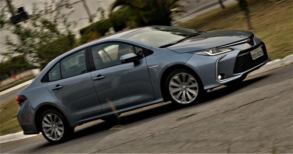 Avaliação: Toyota Corolla Altis Hibrido Flex/ Impressões ao dirigir