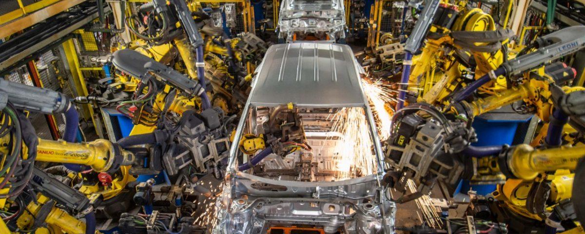 Produção de automóveis não cresce por falta de semicondutores