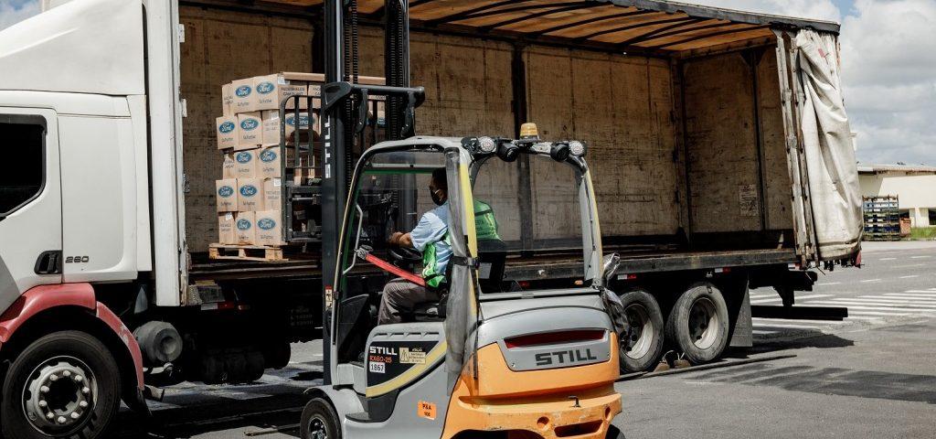 Ford entrega lote de 35.000 máscaras produzidas na fábrica de Camaçari