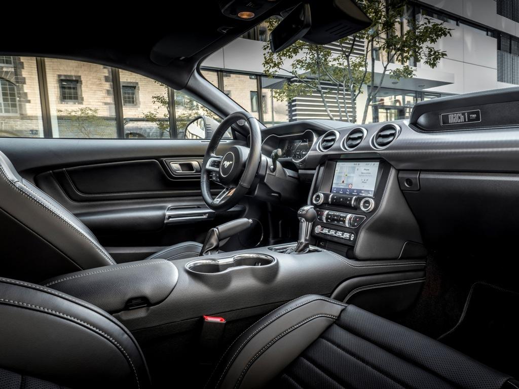 Lançamento: Ford Mustang Mach1