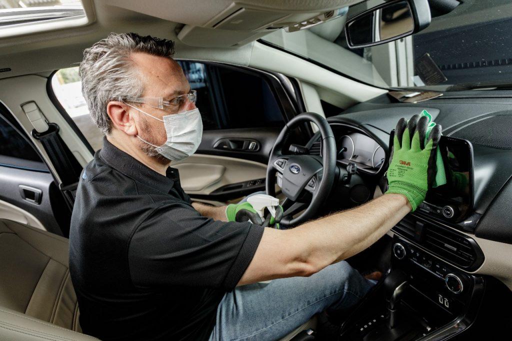 Ford higieniza e desinfeta os veículos e concessionárias