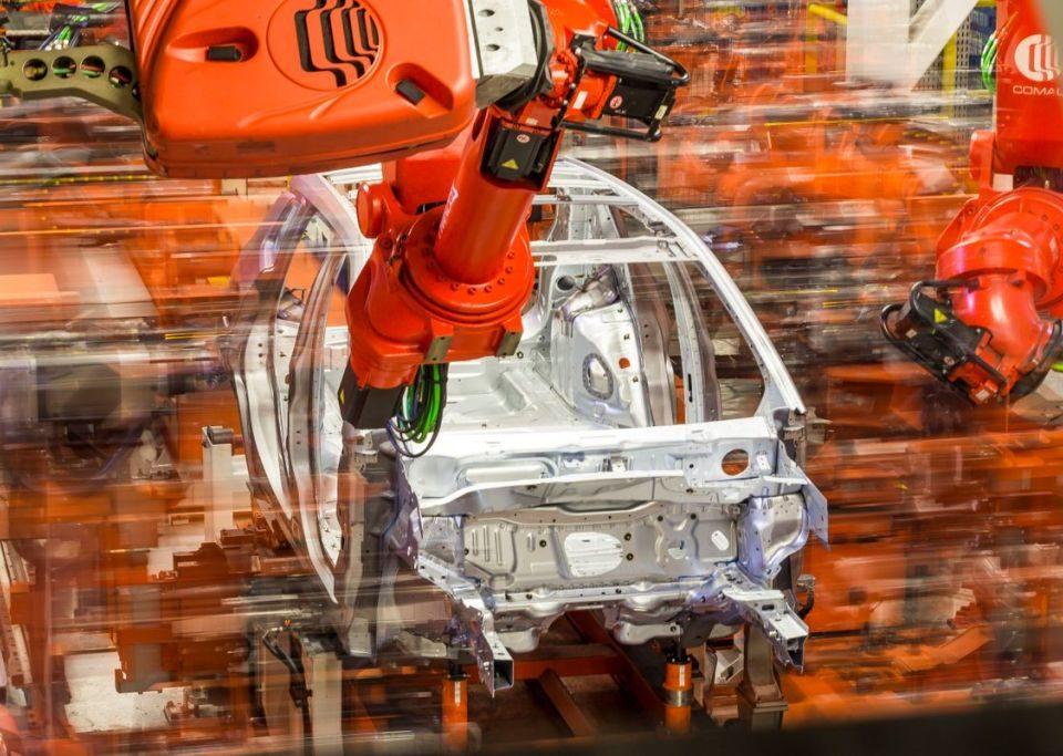 Produção de veículos cai 50% no primeiro semestre