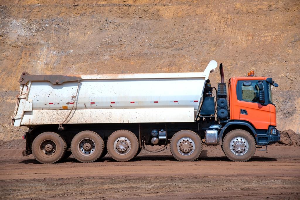 Scania lança caminhão 10x4 com maior capacidade de carga