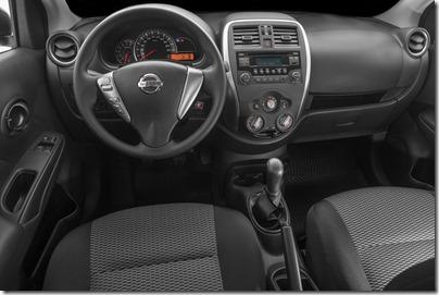 Nissan Novo Versa 1.0 S (11)