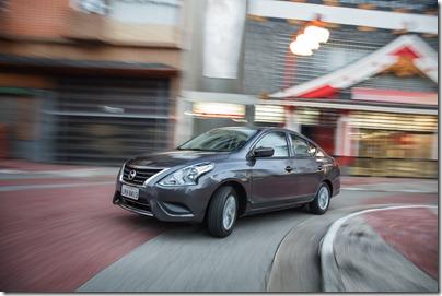 Nissan Novo Versa 1.0 S (1)