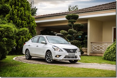 Nissan Novo Versa 1.6 Unique (6)