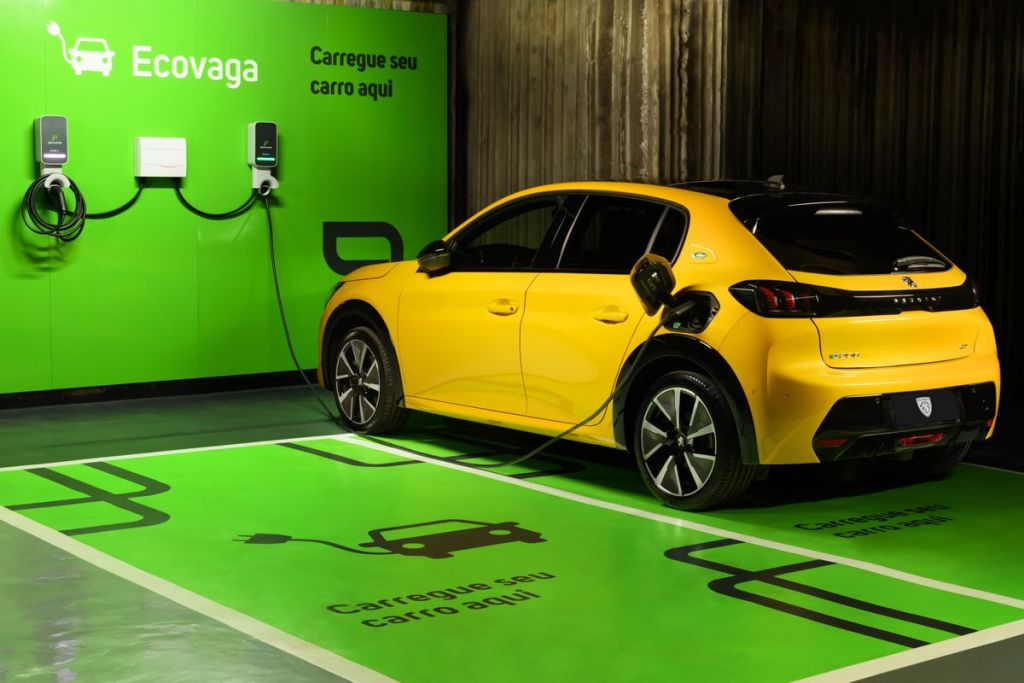 Ecovagas e Stellantis ampliam rede de carregadores para veículos elétricos