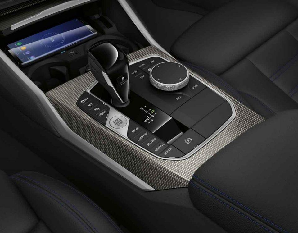 BMW inclui carregador de celular sem fio em 16 modelos