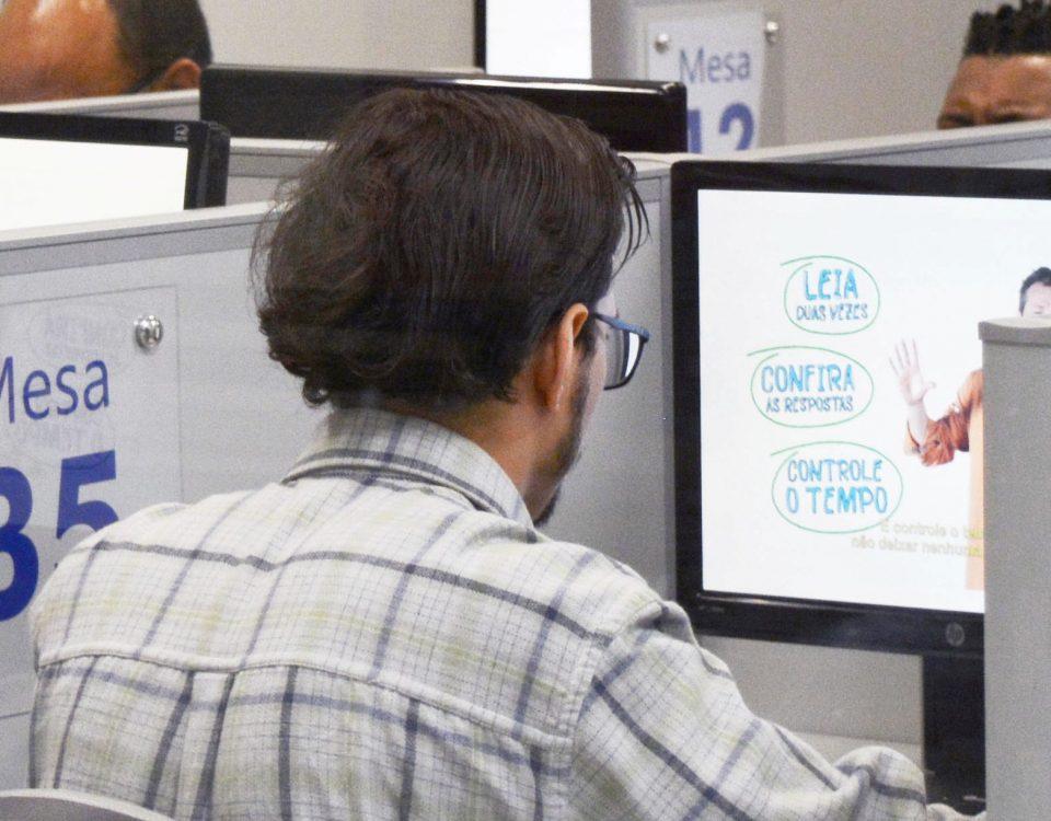 Autoescolas podem aplicar aulas teóricas virtuais