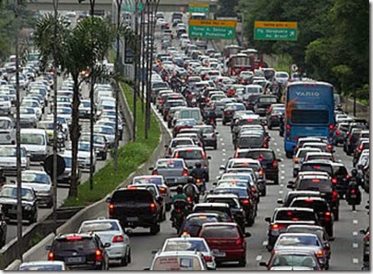 Frota brasileira de veículos circulantes envelheceu