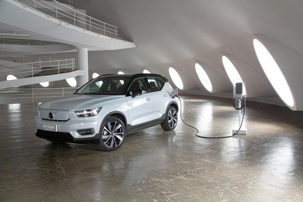 Volvo Car inicia a pré-venda do XC40 elétrico no Brasil