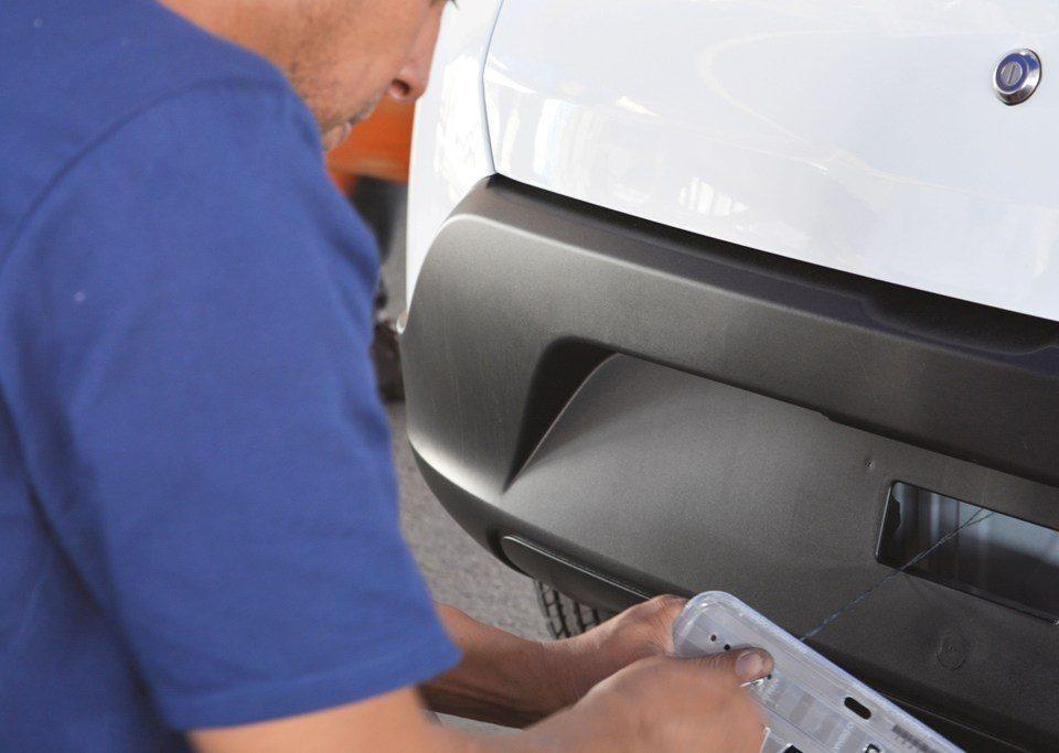 Emplacamentos de veículos novos caem 73,5% em abril