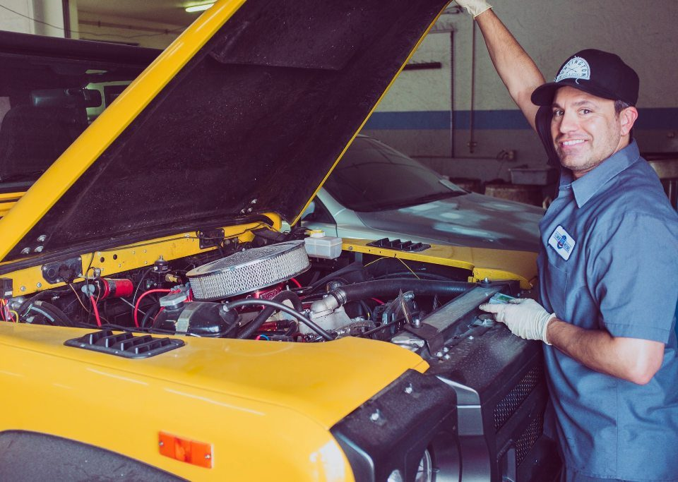 Parabéns mecânico de automóveis e reparador automotivo